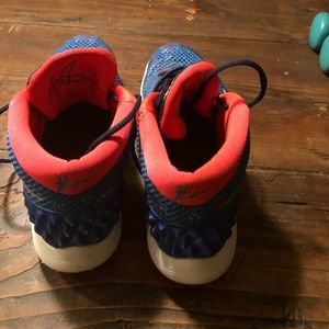 5c74f0668810 discount nike kyrie 1 independence day 1 christmas edition 784ec 92f0d